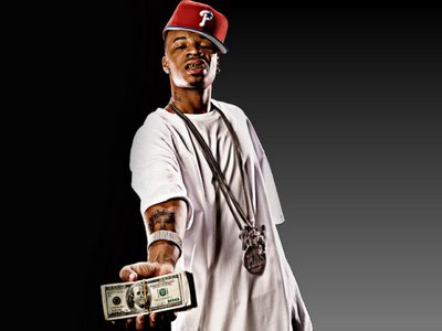 plies_money-in-hand-out