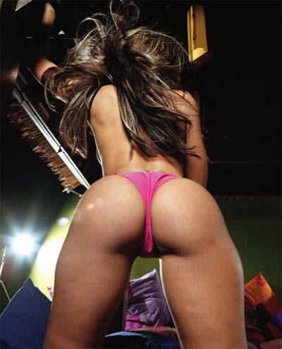 vida_guerra_pink_panties_behind